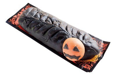 大人気フードが竹炭で真っ黒に! 香味油のスパイシーさとタケノコやクワイのシャキシャキ食感が美味の「ブラックギョウザドッグ」(500円)