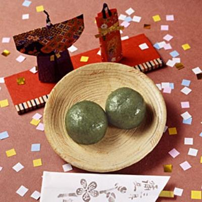3月朔日餅 よもぎ餅 小箱(600円、6個入り)、大箱(1000円、10個入り)