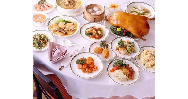 豪華な中華料理が食べ放題!