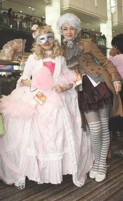 こちらは仮面舞踏会のイメージで参加(2011年の「カワサキハロウィン」)