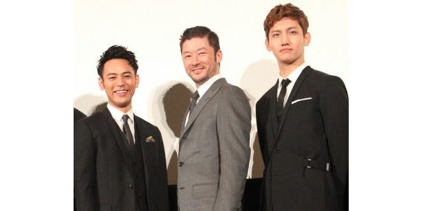 『黄金を抱いて翔べ』完成披露試写会に登壇した妻夫木聡、浅野忠信、チャンミン