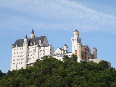 ノイシュヴァンシュタイン城をイメージした白鳥城
