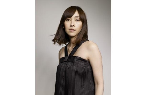 シナリオライターを目指している馬淵みち代を演じる麻生久美子