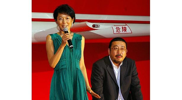 羽田美智子のグリーンのドレスが素敵。お隣は中村義洋監督