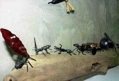 アイアンワーク「アリの行列」