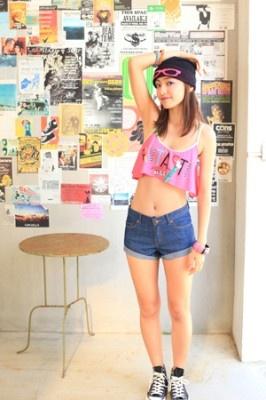 特設サイト内では夏美さんのキュートな写真が多数掲載されている