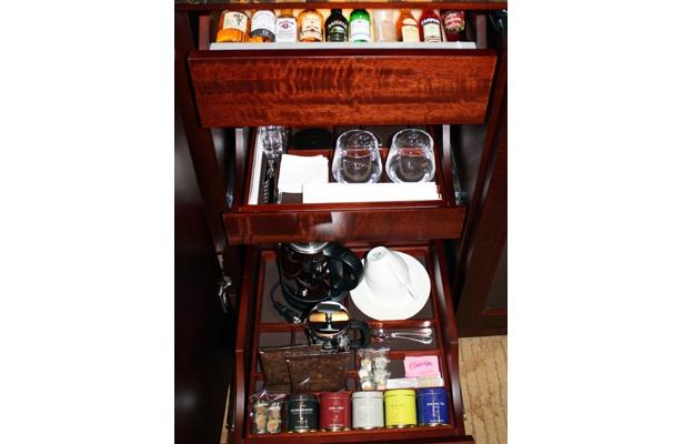 無料のお茶も品がある高級品がそろっている