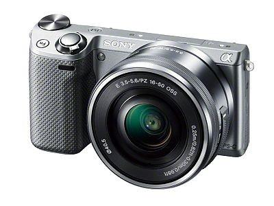 ソニーの小型軽量一眼カメラ「NEX-5R」は、ボディ本体のみの重さが約218g!Wi-Fi対応ワイヤレス通信機能も搭載
