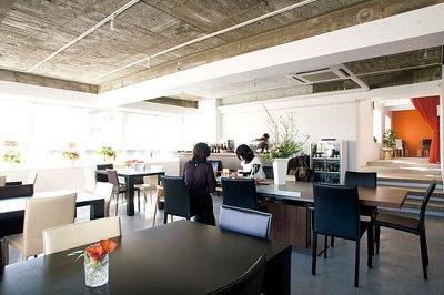 2階がカフェフロア