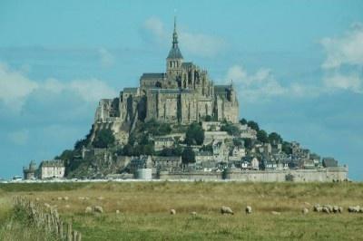 1979年、「モンサンミシェルとその湾」としてユネスコの世界遺産(文化遺産)に登録されたフランスのモンサンミシェル