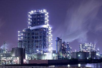昭和電工のプラント。幻想的な夜景にうっとり