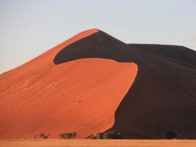 ナミビアの「ナミブ砂漠」。世界最古かつ世界一美しい砂漠といわれている