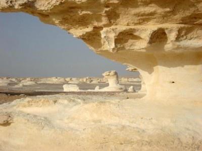 エジプトの「サハラ砂漠(白砂漠)」