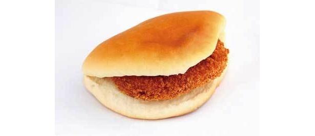 コロッケパンはサクサクコロッケとふんわりパンが合う〜(パンのオオムラ)