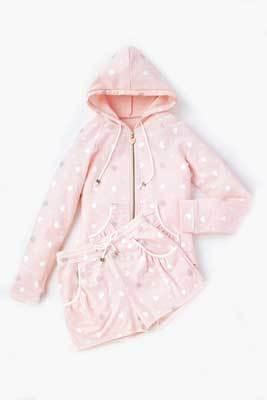 ピンクが女の子らしいルームウェアセット1万3650円(「ル チャーム キスミス」)