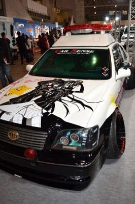 パトカーをモチーフにした車両も展示