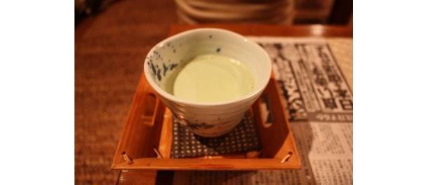 記者おすすめ抹茶ラテは別料金で飲める