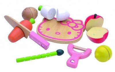 木製素材が赤ちゃんに優しい、ハローキティのおままごとセットとつみ木が新発売!