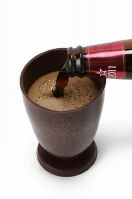 """「インペリアルチョコレートスタウト」は、高温焙煎した""""チョコレート麦芽""""というビールの原料でチョコレート風味を引き出している"""
