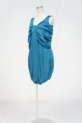 オリジナルブランドのドレスは2泊3日で15000円