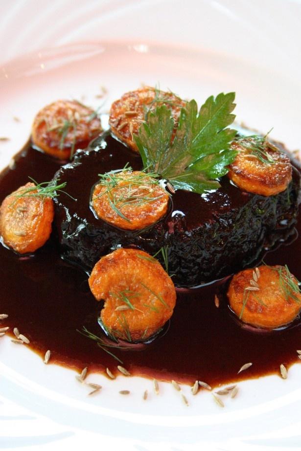代官山の人気フレンチ「ル・プティ・トノー」の牛ほほ肉の赤ワイン煮こみ