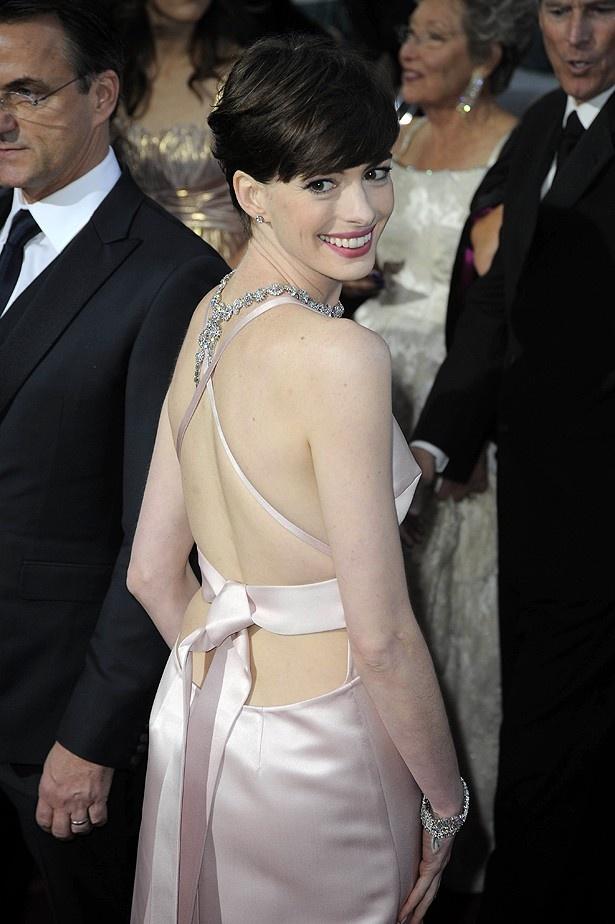 アンは、前日までヴァレンティノのドレスを着る予定だった