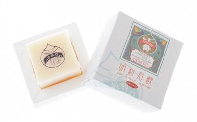 """京都産ヒノキをベースに白壇など天然香料のみ使用の""""京""""をイメージした香り"""