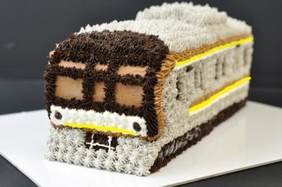 「10000系3D電車ケーキ」(7980円)