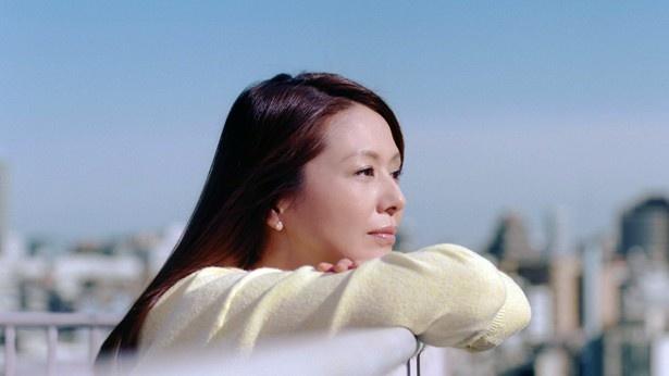 「Tokyoイゴコチ研究所」の新テレビCMに出演することになった小泉今日子