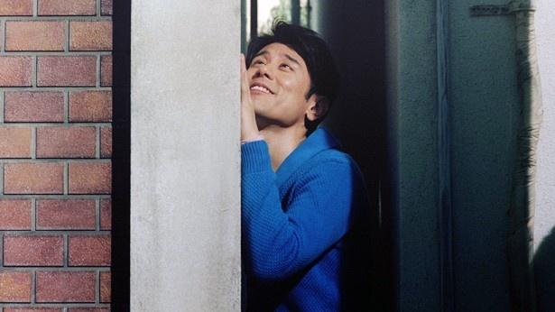 狭い場所が大好きという原田は、幼いころ某アニメに憧れて押し入れで寝ていた