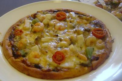 地元食材を使った春メニューも登場!写真は「あおさを使ったピザ」