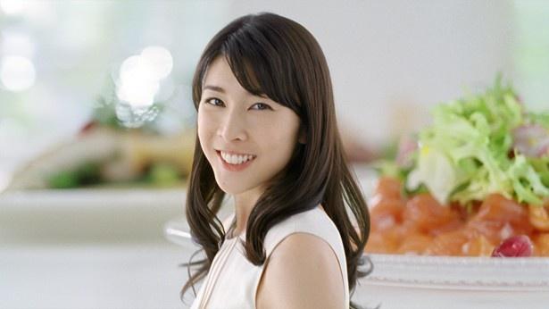 シュガーレスガム「リカルデント」の新テレビCMに出演する竹内結子