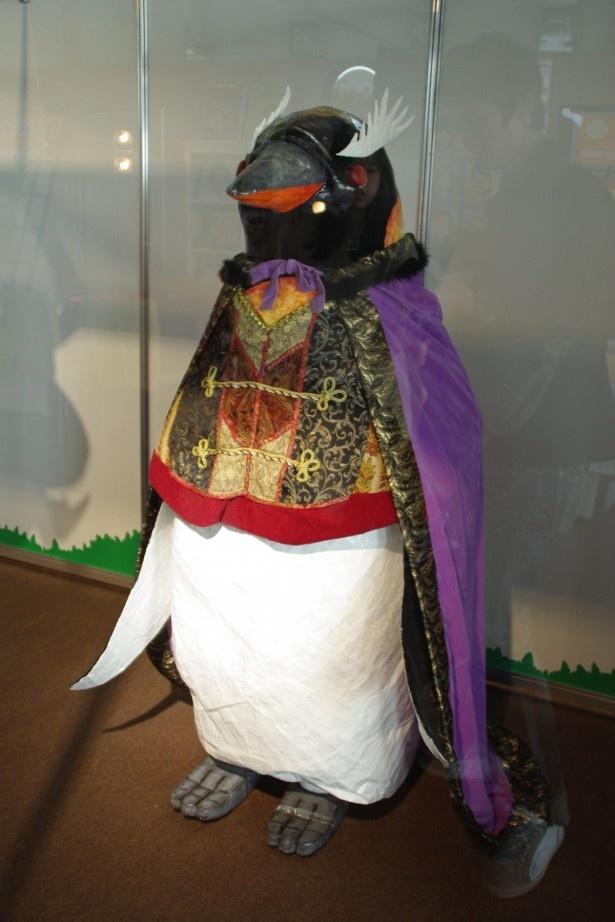 続編のラスボスは皇帝つながりでペンギン姿