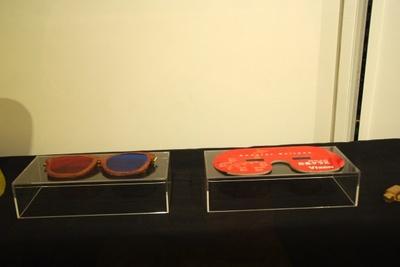 ヨシヒコだけ仏を見るのに使った3D眼鏡や日食グラス