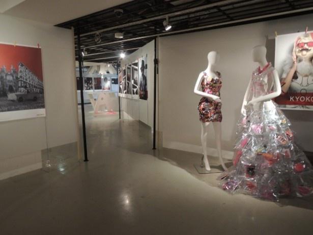 上階ではオープニングイベント「ASOKO NO MONO展」も開催