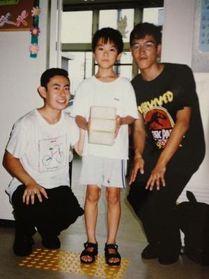 お宝写真!渡辺さん(写真左)と、幼き頃の酒田さん(写真中)、当時渡辺さんとコンビを組んでいた池田さん(写真右)