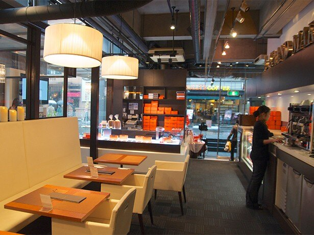 店内は落ち着いた上品な雰囲気の『ル グラン マーブル カフェ クラッセ』さん