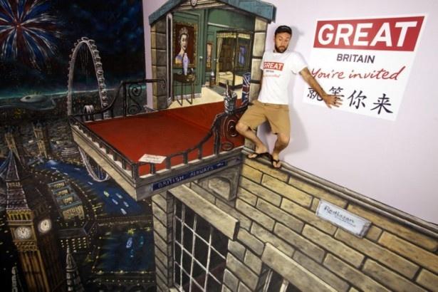 ロンドンオリンピック、エリザベス女王即位60周年に合わせたロンドン観光促進プロモーションのトリック・アート