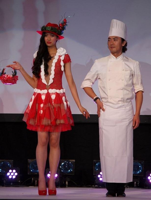 高木さんは「情熱的なイチゴの赤」を表現したそうだ