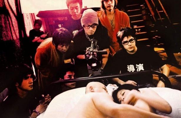 【写真を見る】卒業を控えた大学生たちは日本からAV女優を呼んでAV製作を目論む