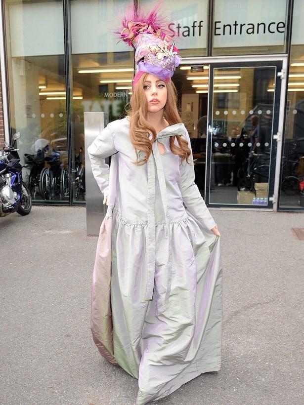 ガガのウェディングドレスがどんなものになるか、注目を集めている