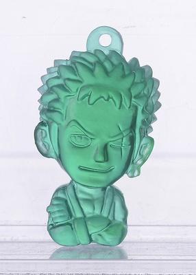 ゾロは髪の毛の色に合わせてグリーンで再現