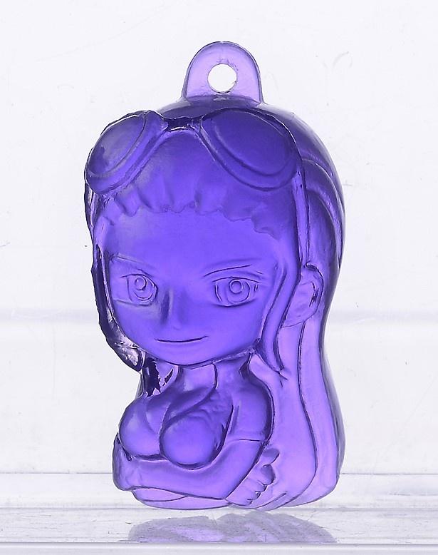 クールなロビンは紫色で再現されている