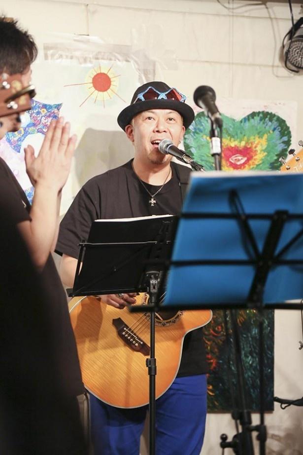 声援団コアメンバーのひとり、声優の神奈延年。代表作は「マクロス7」の熱気バサラ、「剣風伝奇ベルセルク」のガッツなど