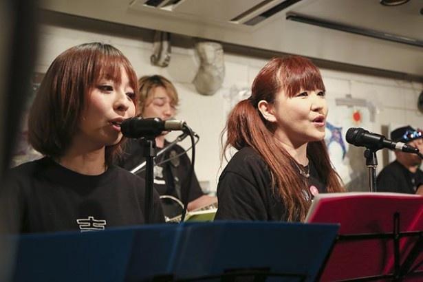 アニメシンガーの凜(左)。宮城県仙台市出身の彼女にとって、震災復興にかける思いは人一倍強い