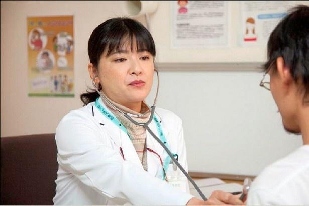 銀次郎をピンチに追い込む女医役で伊藤かずえが登場
