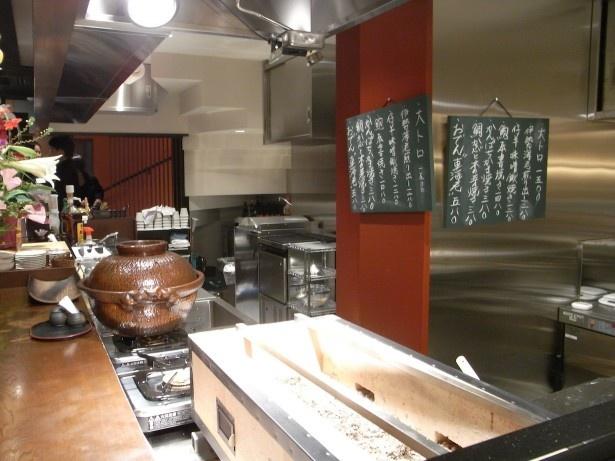 入り口から入ってすぐの1階厨房