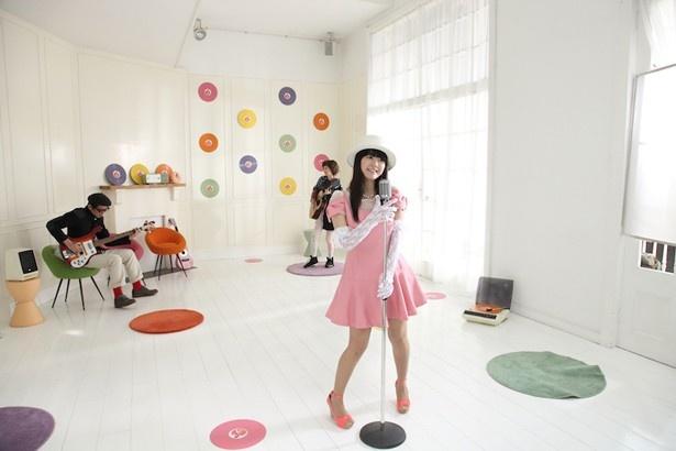 【写真】竹達のミュージックビデオには川本も参加