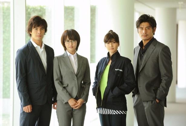 「ダブルス~二人の刑事」への出演が決まった夏菜、内田有紀(写真中央左から)