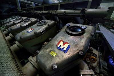 毛馬排水機場の発電機のエンジン。かっこいい!